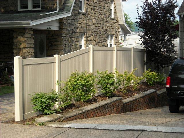 Vinyl Privacy Fence (1).jpg