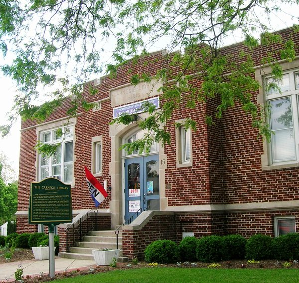 2016 Pick-Violet Twp Historical Society Museum, former   Carnegie Library.jpg