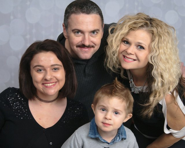 familypicture1.jpg