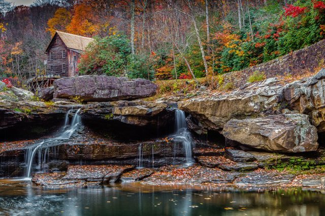 Steve Hirsch -Waterfall House (1).jpg