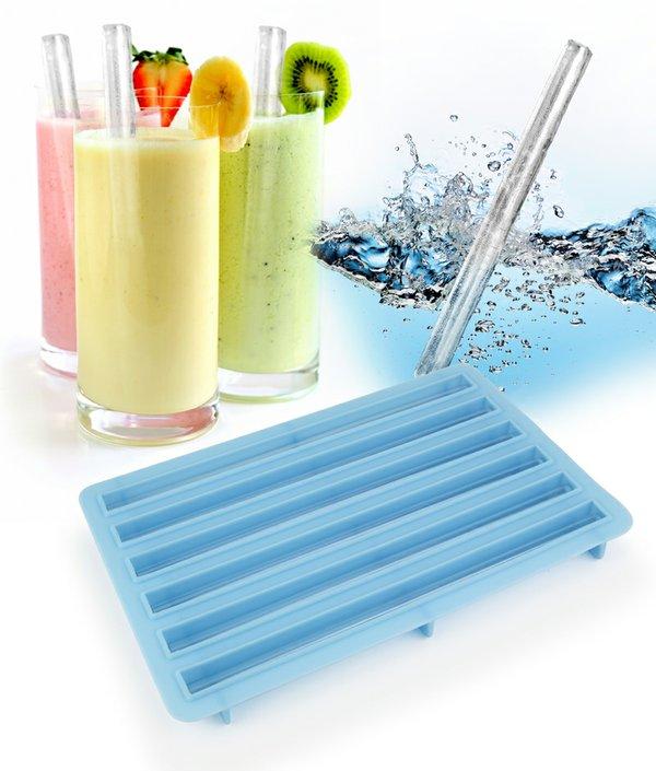 Lifestyle Image- Ice Straw Tray UTU3GI0004 300dpi.jpg