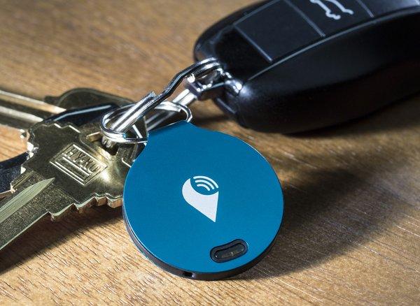 TrackR_bravo_tracker_locator_wallet_item_key_phone finder_app_keys_blue_bravo.JPG
